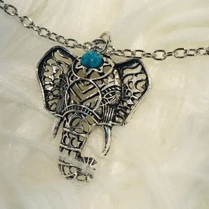 Jewelry - Hot vintage elephant pendant necklaces